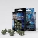 Set de dados clasicos RPG en color verde oliva y blanco